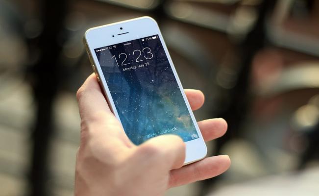 Cómo revivir tu celular mojado